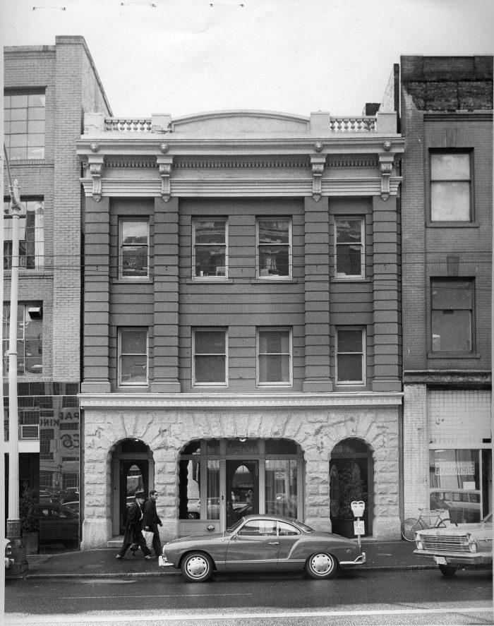 3. Butterworth Building (now Kell's Irish Pub)