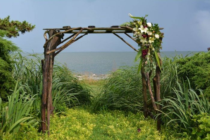 Black Walnut Point Inn also makes a gorgeous wedding venue. Can you imagine getting married at this magical spot?