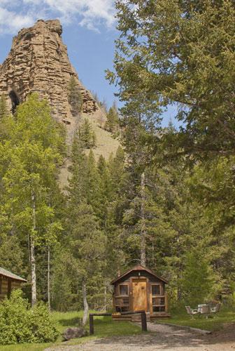 4. Absaroka Mountain Lodge