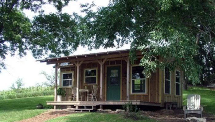 8. Cabin at Honey Creek - Peru, NE