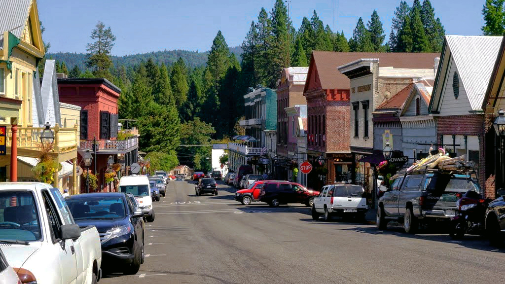 15 picturesque small towns in northern california are
