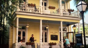 You'll Never Forget Your Visit To This Haunted Restaurant In South Carolina