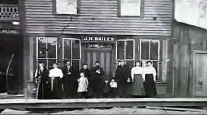 A general store was central to the town, and was also the site of a post office.