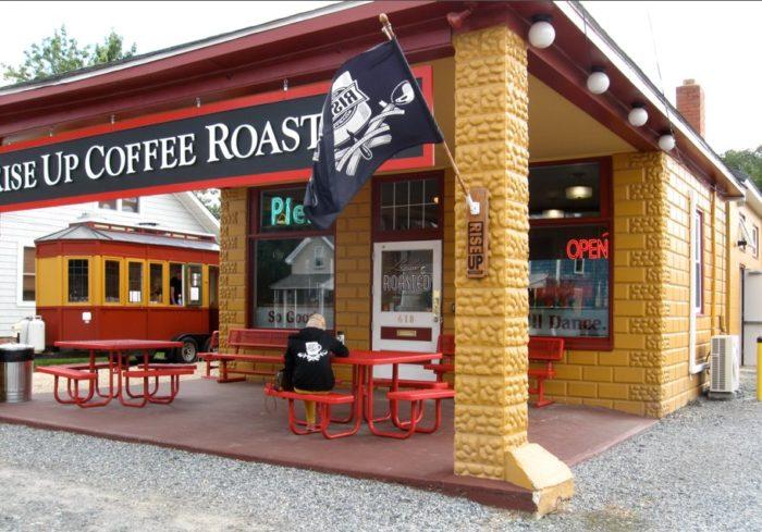 3. Rise Up Coffee Roasters, Easton