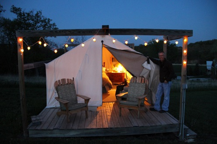10 cheap and amazing places to stay overnight in nebraska for Inexpensive romantic getaways in south carolina