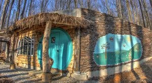 We Dare You To Spend The Night In This Hobbit House In Maryland And Not Love It