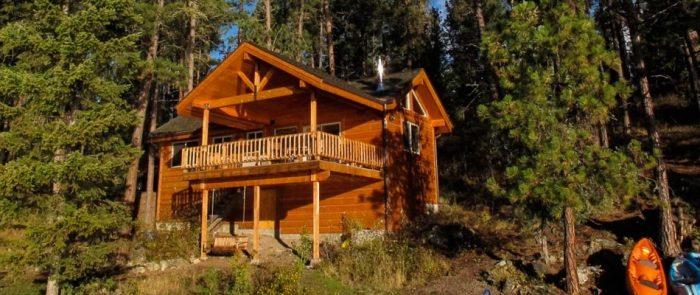 5. Swan Hill Lakefront Cabin, Polson