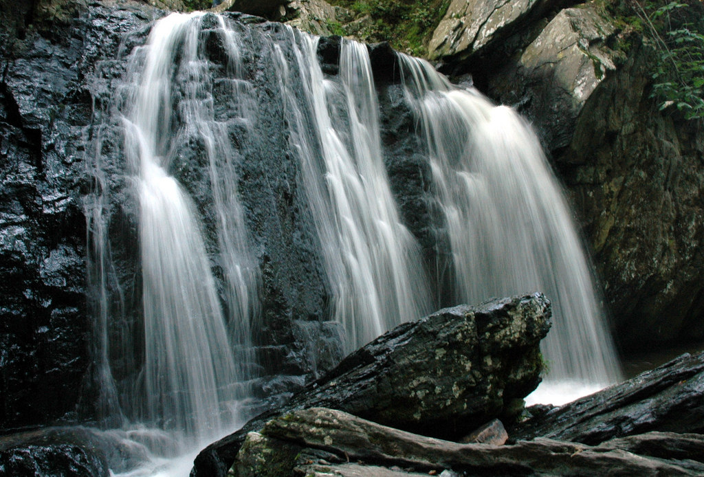 7 Beautiful Hidden Waterfalls Near Washington Dc