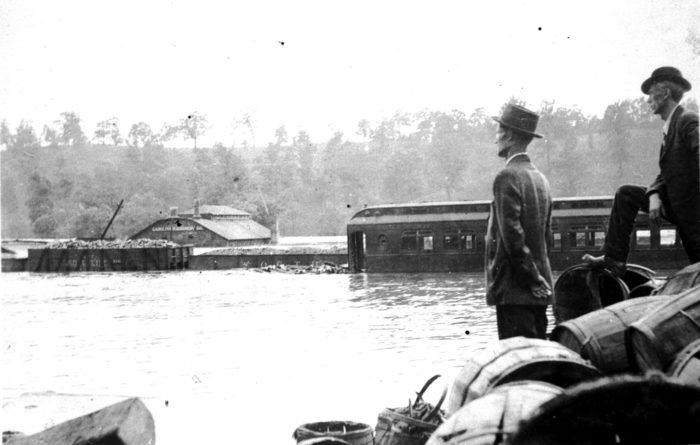 n_71_9_152-asheville-rr-yard-1916-flood