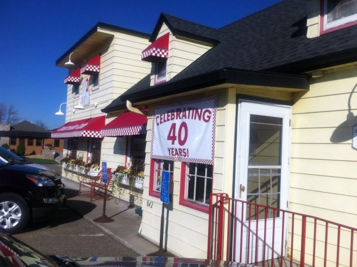 9. Peg's Countryside Cafe, Hamel