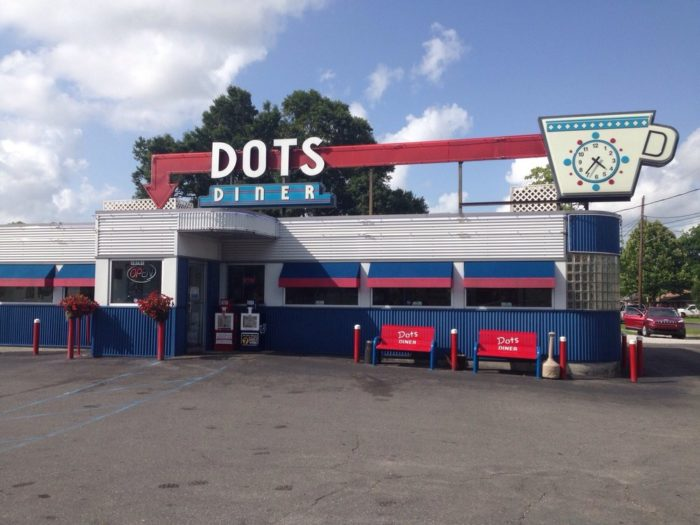 11) Dot's Diner, 2317 Jefferson Hwy