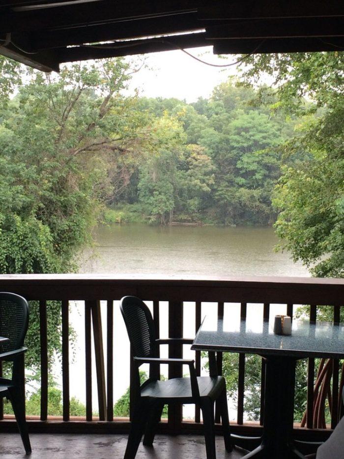 4. Brock's Riverside Grill (Fredericksburg)