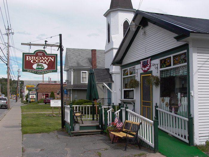 12.  Brown Cow Restaurant - 900 E Main St, Newport