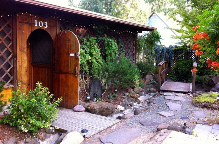 7. Arbor House, Talent