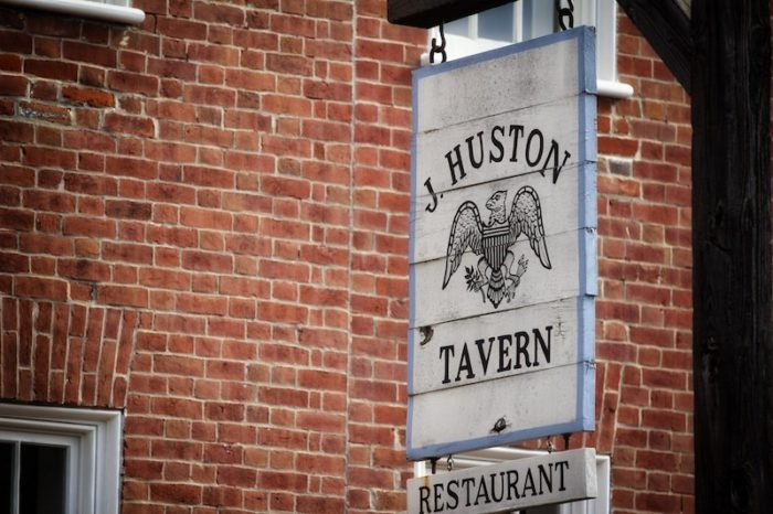 During the regular season, the tavern is open for lunch and dinner.