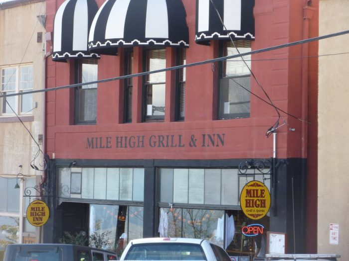 8. Mile High Grill & Inn, Jerome