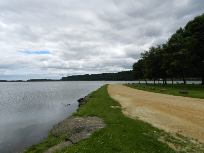 Visit South Sabula Lake Park, a 14-acre park located at the south end of South Avenue in Sabula. It's great for water sports, like boating and fishing.