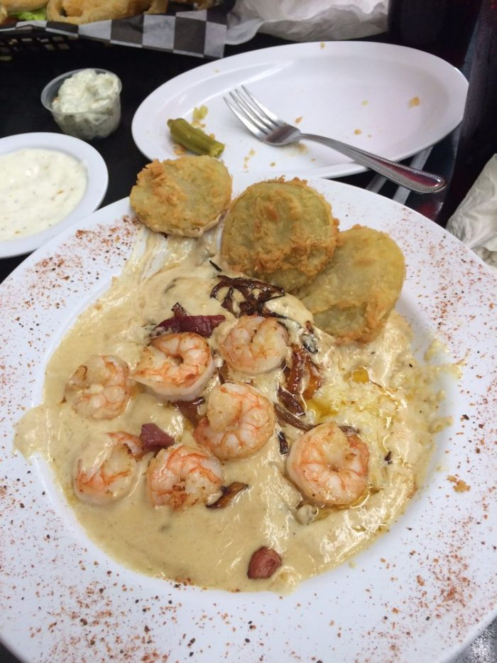 thomas-cafe-shrimp-and-grits