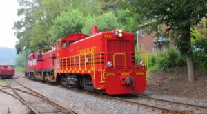 This Epic Train Ride Near Pittsburgh Will Give You An Unforgettable Experience