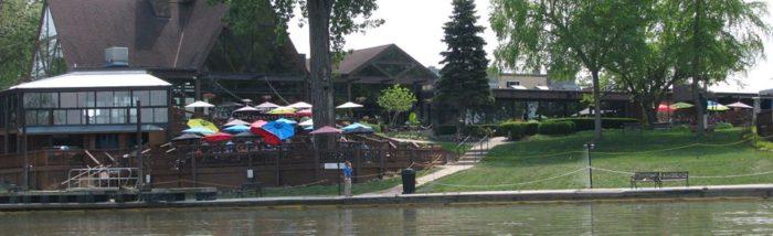 1. Captain's Quarters Riverside Grill, Prospect