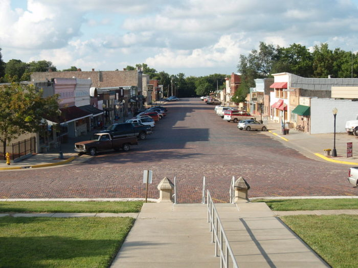 First settled in 1854 by an Indian trader and cattle rancher, Cottonwood Falls is one of the picturesque towns located in the heart of the Flint Hills.