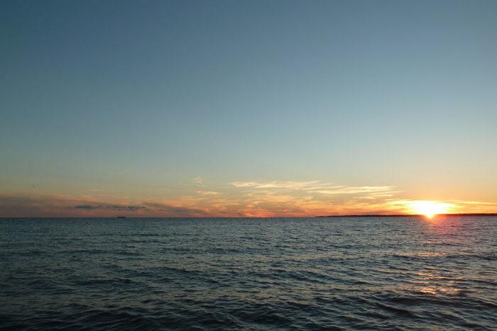 1024px-Hammonasset_sunset