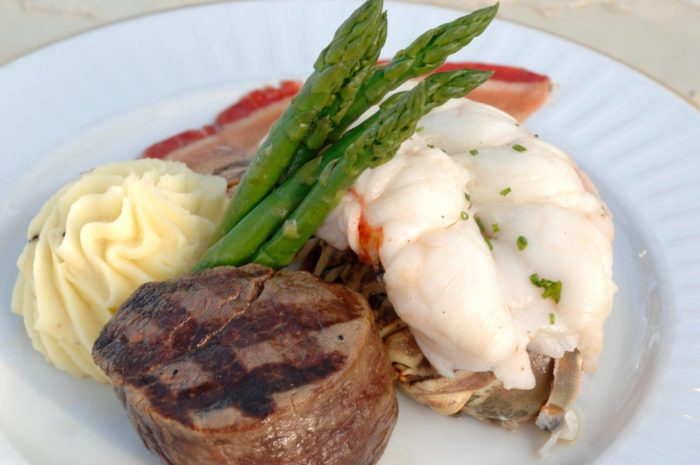 Dinner is a bit more luxurious, with upscale standards like surf and turf, or more exotic options like wagyu beef skirt steak and saffron-crusted black grouper.