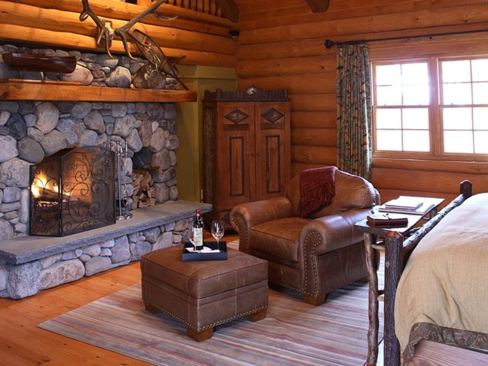 Staying in a cabin doesn't mean you have to give up all the modern amenities you've come to cherish.