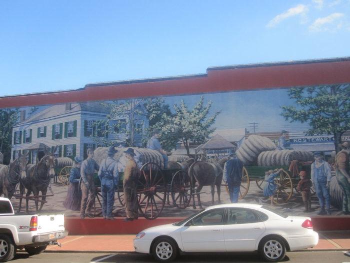 1200px-Pioneer_mural_in_Magnolia,_AR_IMG_2310