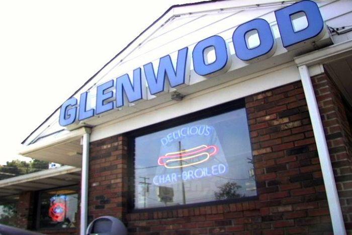 7. Glenwood Drive-In (Hamden)