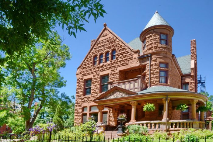 1. Capitol Hill Mansion Bed and Breakfast