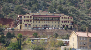 The Story Behind This Haunted Arizona Hotel Is Seriously Creepy