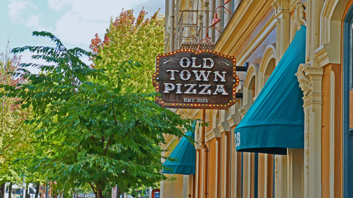 1. Old Town Pizza