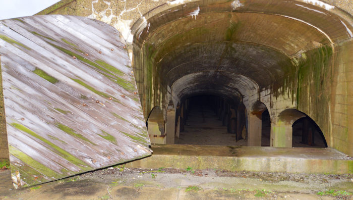 Now the park and the catacombs underneath remain empty and the whole place has a quiet and eerie feel.