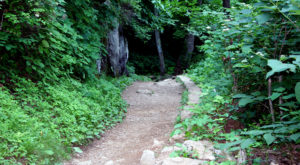 15 Marvelous Trails You Have To Hike In Virginia Before You Die
