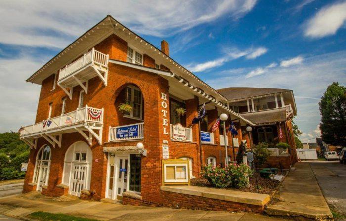 2. The Historic Belmont Inn in Abbeville.