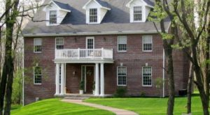 8 Little Known Inns Around Pittsburgh That Offer An Unforgettable Overnight Stay