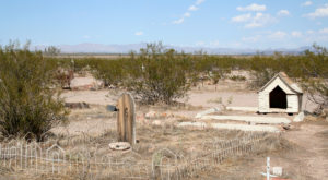 The Story Behind This Haunted Pet Cemetery In Nevada Is Downright Mysterious