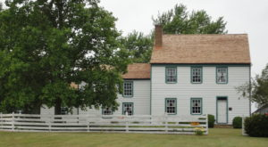 The Story Behind This Historic House In Maryland Will Give You Goosebumps