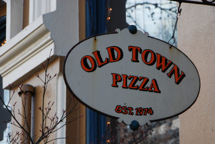 3. Old Town Pizza