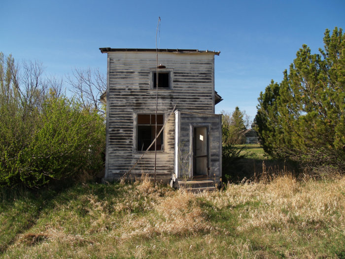 5. In 1906 a post office was established in the town of Carbury. In 1984, it officially closed due to the town being abandoned. This is all that's left today.