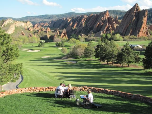 The golf club is also a great place for a romantic dinner, complete with a private musician.