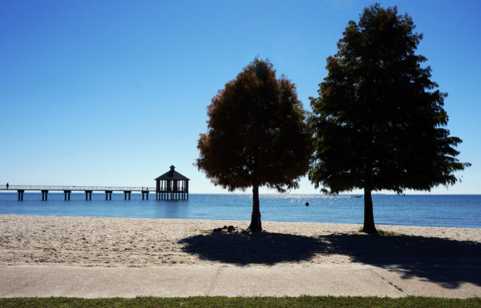 One great way to enjoy Lake Pontchartrain is by visiting Fontainebleau Park.