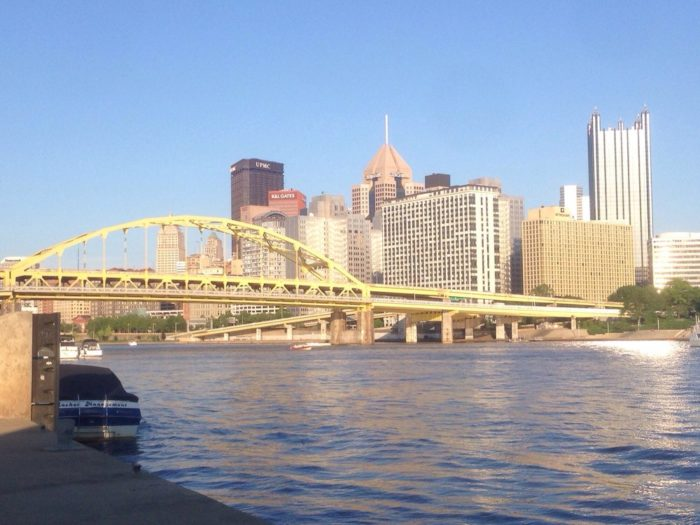 9 best restaurants on the river in pittsburgh for Mitchells fish market pittsburgh