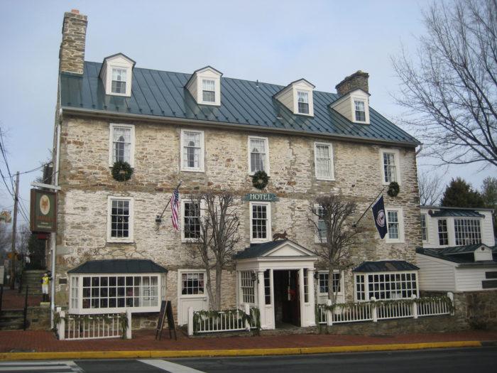 4. The Red Fox Inn (Middleburg)