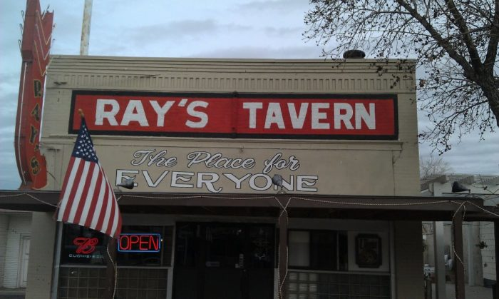 8. Bacon Burger, Ray's Tavern In Green River