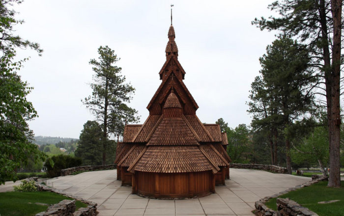 The chapel is built in the traditional Nordic style.