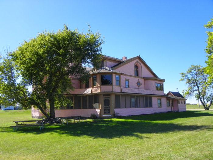 3. The Pickler Mansion - Faulkton