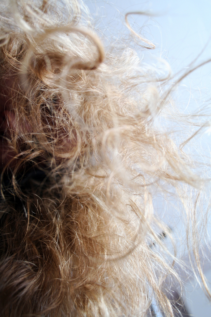 4. Summer humidity turns hair to frizz.
