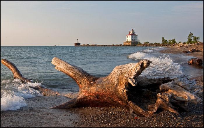 5. Headlands Beach State Park (Mentor)